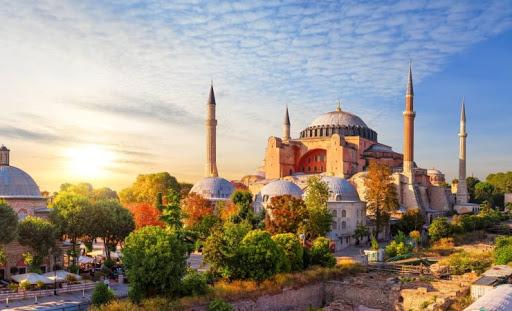 Ayasofya: Türk Sağının Bekletilmiş Hülyası